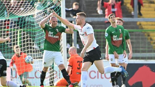 Glentoran told to develop 'winning mentality' if they want to realise league ambitions after heavy Crusaders defeat