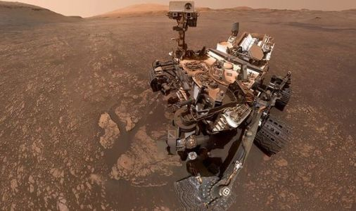 Life on Mars: Martian salt deposits 'hold clue' to ancient water source