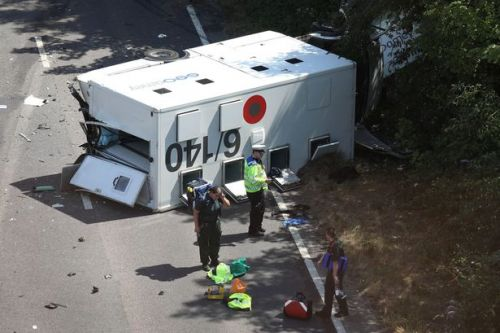 Prisoner seriously injured after van taking him to court crashes with lorry