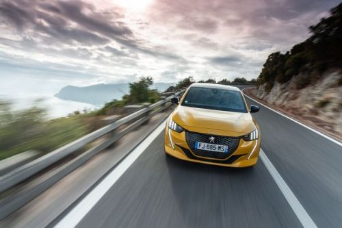 New Peugeot 208 first drive review - Supermini is roaring to go