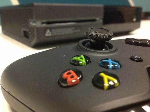 'Do you need the internet to play Xbox One?': How to use the internet to play games online on your Xbox One