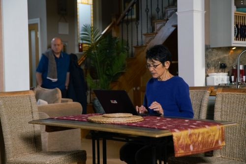 Coronation Street spoilers: Yasmeen Nazir fights back against Geoff Metcalfe tonight - and escapes?
