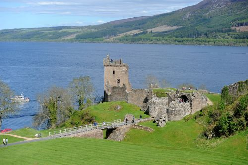 International scientist prepare DNA test of Loch Ness in the most significant monster hunt ever
