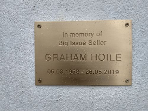 Popular vendor Graham Hoile remembered with plaque on his Heavitree plaque