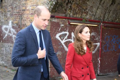 Kate meets photographer and NHS heroes who star in her Hold Still project