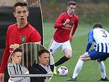 Phil Neville's son Harvey signs first professional deal at Manchester United