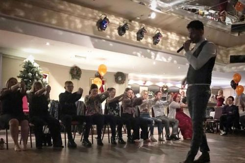 East Kilbride hypnotist beat the bullies to become a stage success