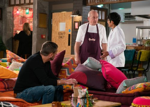 Coronation Street spoilers: Evil Geoff Metcalfe makes Yasmeen Nazir drink a bottle of alcohol to prove a point
