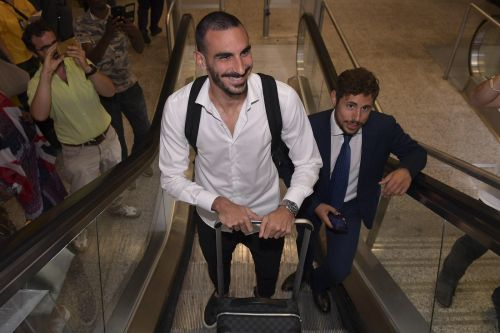 Chelsea defender arrives in Italy to complete loan move