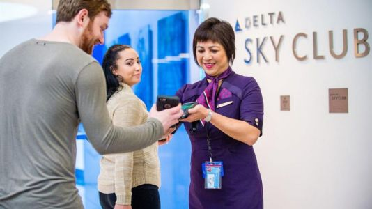 Delta extends tier status for members of Sky Miles frequent flyer programme