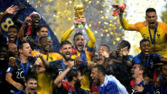 France win the World Cup final after beating Croatia 4-2