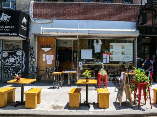 Even with outdoor dining, 87% of NYC restaurants couldn't pay their full rent in August