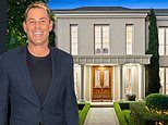 Shane Warne lists $8 million Melbourne pad for sale after 'downsizing' from $20M mansion last year