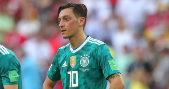 Kroos lambasts Mesut Ozil over Germany racism claims