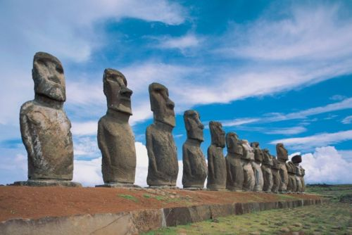 """New study challenges popular """"collapse"""" hypothesis for Easter Island"""