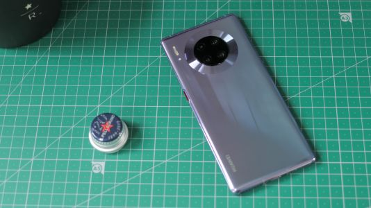 Huawei Mate 40 Pro leak shows off the phone from almost every angle