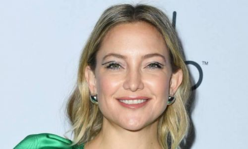 Kate Hudson sparks reaction with selfie from her bath in LA home