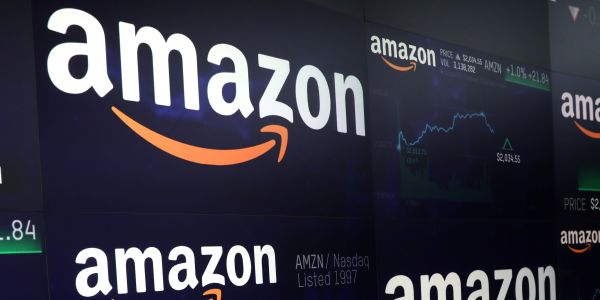 Amazon employees say a worker tested positive for novel coronavirus at Amazon warehouse where photo appears to show lack of social distancing