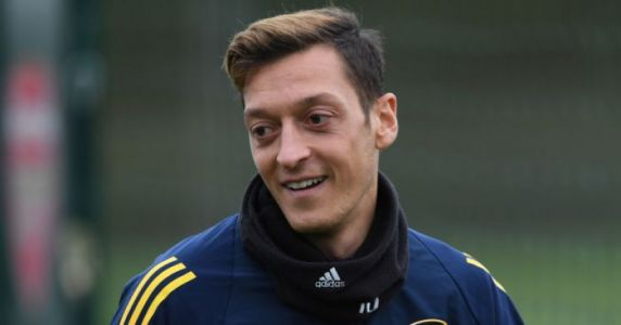 Ozil opens up old wounds with revealing interview about Arsenal pay