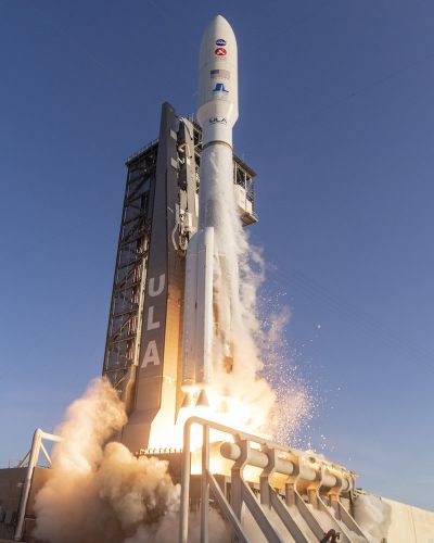 Photos: Atlas 5 rocket catapults into space with Mars rover