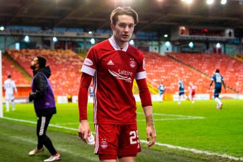 Aberdeen forward Scott Wright signs pre contract with Rangers