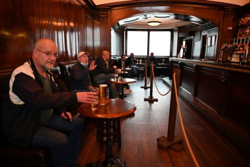 New Covid-19 laws that come into force for Scots pubs and restaurants from today