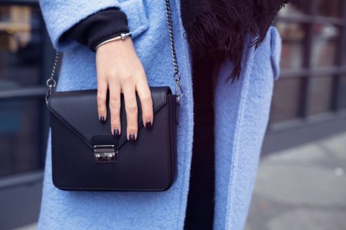 12 things you should always keep in your purse