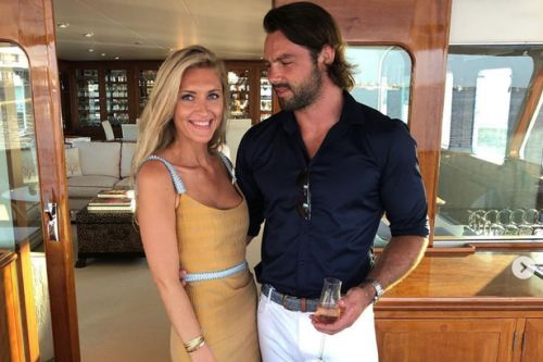 Ben Foden's wife slams 'Una Healey worshipping fanatics' in furious online rant