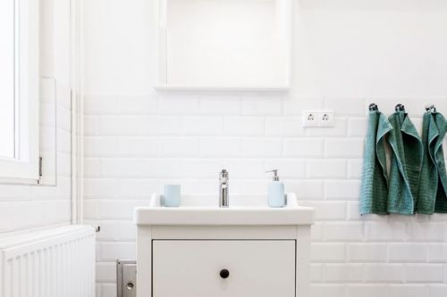 Tips from the pros for revamping your bathroom for less then £50