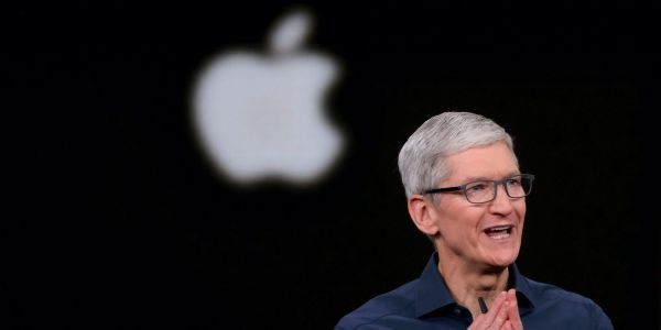Apple slides 4% on disappointing 4th quarter iPhone sales and lack of forward guidance