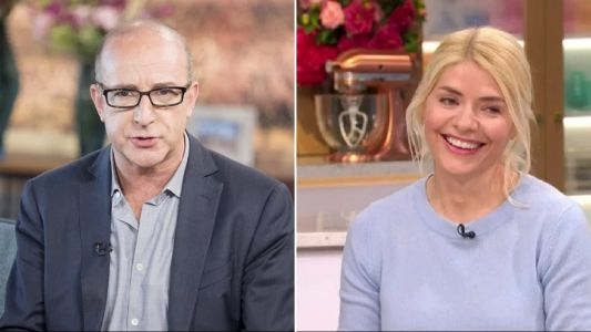 How to stop snacking in coronavirus lockdown: Paul McKenna's kicks Holly Willoughby's chocolate habit with easy exercise