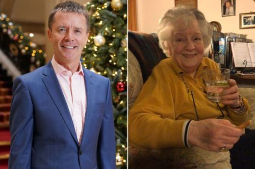 Heartbroken Nicky Campbell pays tribute to WWII hero mum as she dies aged 96