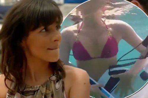 'Attention seeking' Roxanne Pallett loses her PANTS on Celebrity Coach Trip