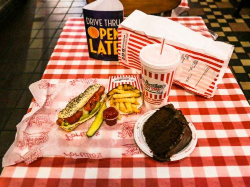 I ate at Portillo's, Chicago's most famous hot dog chain, and I was won over by its cheap, classic food