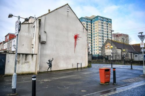 Banksy Returns To His Hometown Bristol With New 'Valentine's' Day Mural