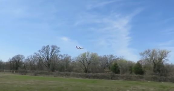 'Glitch in reality' as jumbo jet appears to hover in mid-air