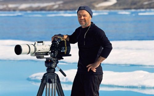 Blue Planet cameraman says public should view remote wildlife locations through VR headsets