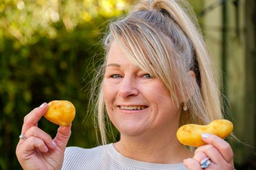Binge eater who ate frozen potatoes because she couldn't wait for them to cook loses three stone