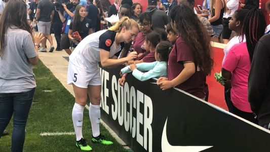USWNT players draw sellout NWSL crowd to Chicago Red Stars game