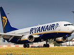 Italy threatens to suspend Ryanair's right to fly in the country