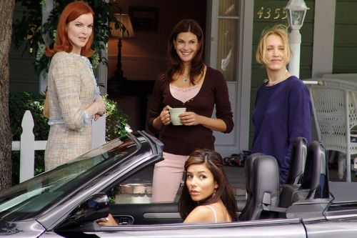 8 reasons Desperate Housewives makes perfect lockdown viewing