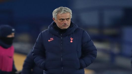 Dimitar Berbatov: Mourinho sacking was badly timed but Spurs can win final