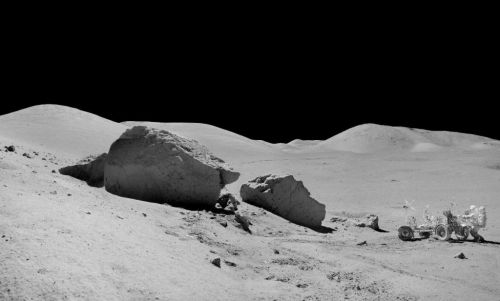 Moon crust formed from massive impact, says study