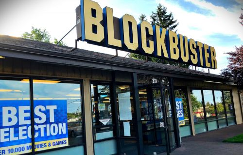 The world's last Blockbuster is transforming into an Airbnb for $4 a night