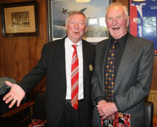 Manchester United legend and 'Hero of Munich' Harry Gregg dies aged 87