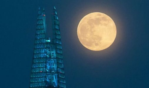 WATCH AGAIN: Supermoon 2020 lights up the night sky - In case you missed the Pink Moon
