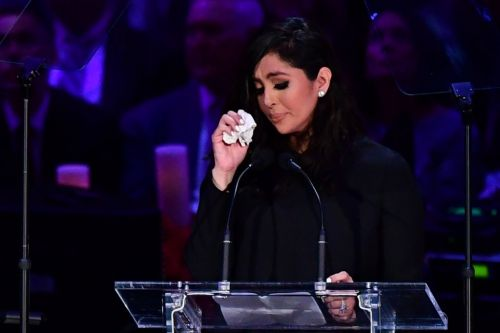 Vanessa Bryant breaks down on stage during speech in tribute to husband Kobe Bryant and daughter Gianna