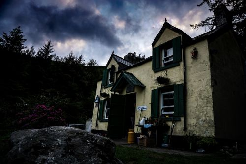 10 most haunted hostels to visit this Halloween!