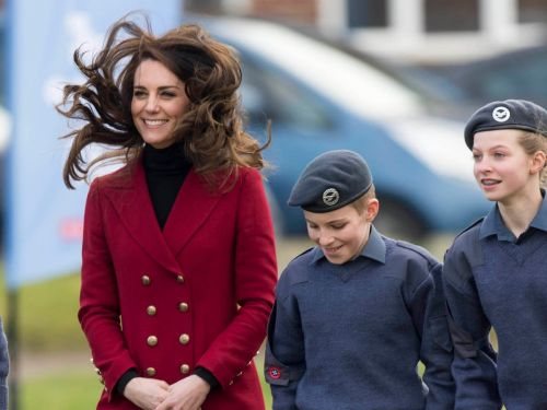 18 hilarious photos that prove Kate Middleton is just like us