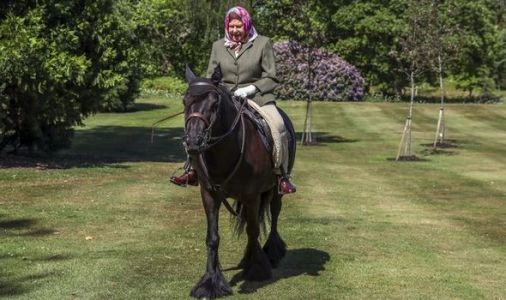 Queen's new horse riding photos to inspire Brits as UK emerges from lockdown